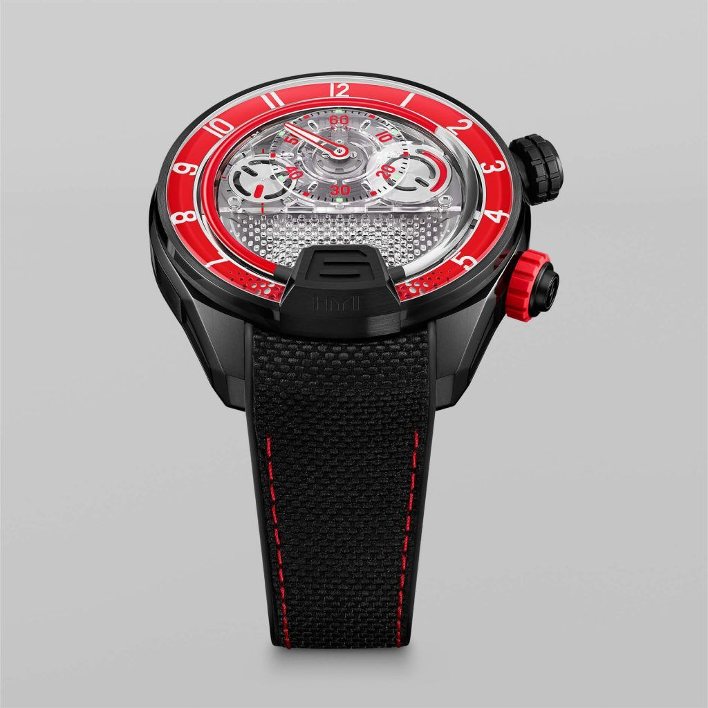 HYT H4 RED Fluid FrontView blog debajo del reloj
