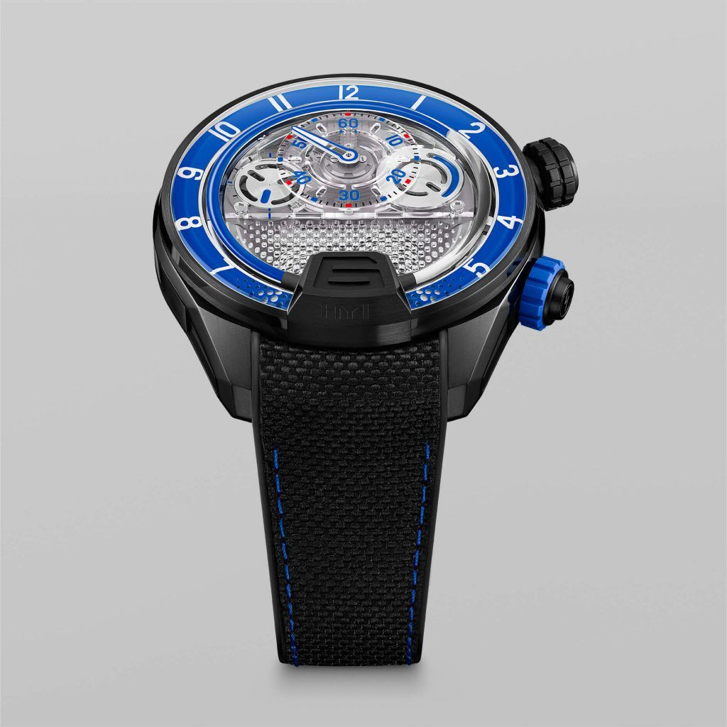 HYT H4 BLUE Fluid FrontView blog debajo del reloj