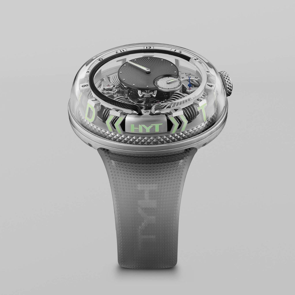 HYT H2.0 Time Is Fluid Silver FrontView blog debajo del reloj
