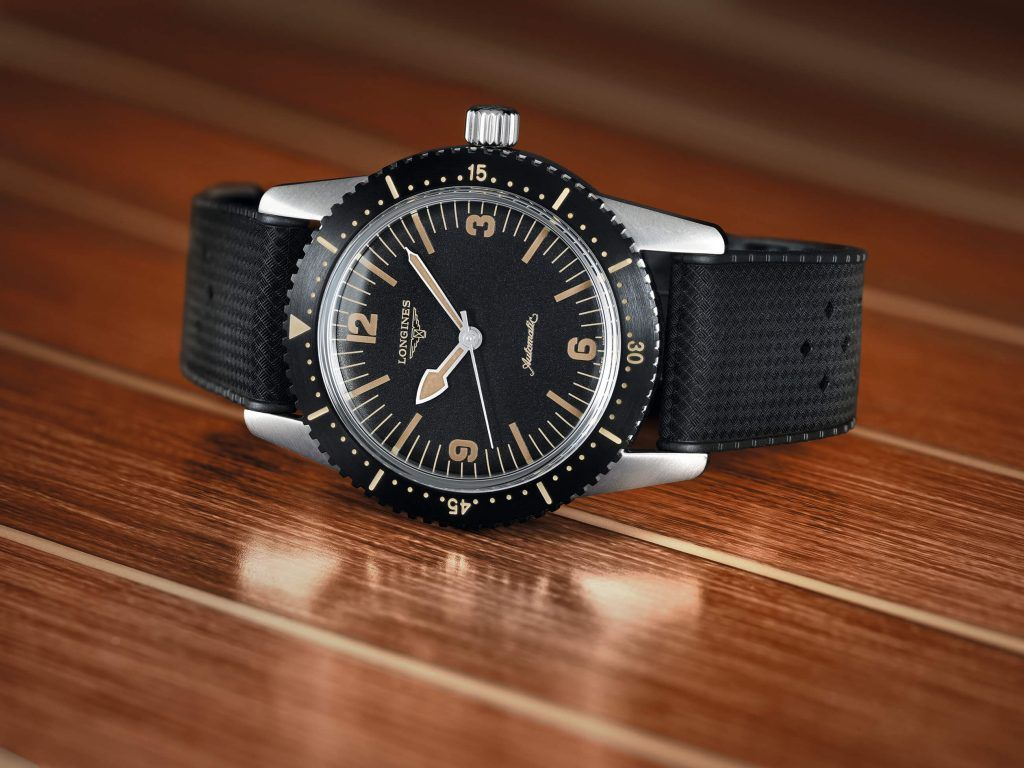 The Longines Skin Diver Watch frontal blog debajo del reloj