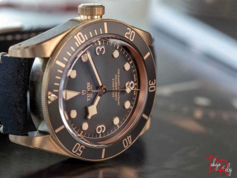 TUDOR black bay bronze lado