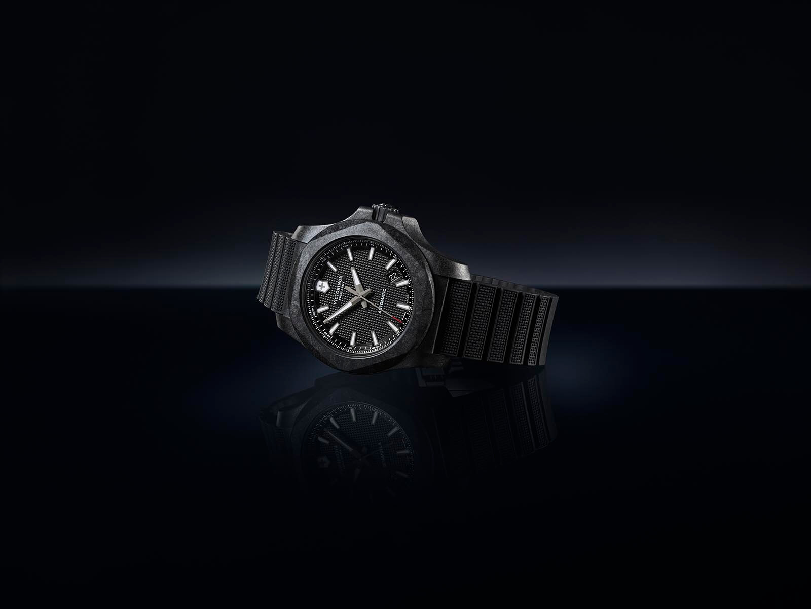 Victorinox I.N.O.X. Carbon Mechanical portada