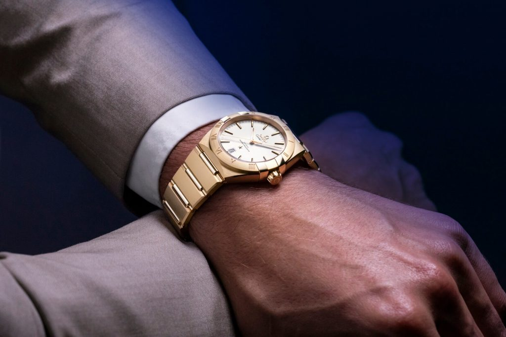Omega Constellation Gents collection detalle muñeca 2
