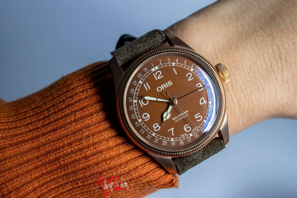 Oris Big Crown Bronze Pointer Date muñeca 2